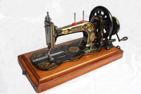 Singer New Family Model 12, 12K Fiddle Base Sewing Machine - front